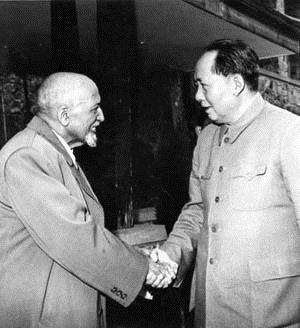 W.E.B. Du Bois meets Mao Zedong (Source: www.bermudaradical.wordpress.com)