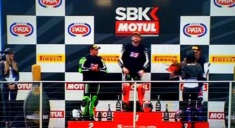 Hasil WSBK Donington Park Race 1, Sykes Juara Disusul Haslam dan Lowes, Davis dan Rea Crash