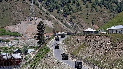 چین کی سرحد پر جھڑپوں میں 2 ہندوستانی فوجی اور 1 افسر ہلاک