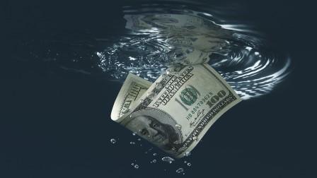 ڈالر کی قدر 2021 میں 50 فیصد تک گِر جائے گی: امریکی ماہرین