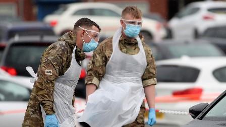 برطانیہ میں کورونا ویکسین کی ترسیل فوج کرے گی: سیکرٹری صحت