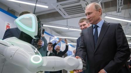 کیا میں آپ کی جگہ صدر بن سکتا ہوں؟ مصنوعی ذہانت سے لیس ربوٹ کا صدر پوتن سے سوال، روسی صدر کا دلچسپ جواب