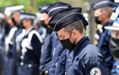 فرانس میں جرنیلوں کے بعد پولیس افسران کا خط بھی تشویش سے بھرا خط سامنے آگیا: ملک میں بڑھتی انتظامی ناکامی پر سیاسی حلقے پریشان