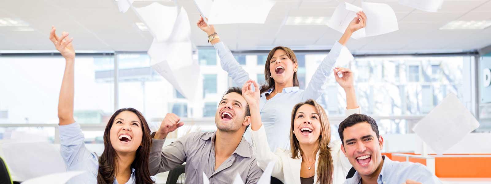 Team-free-to-succeed-slideraak