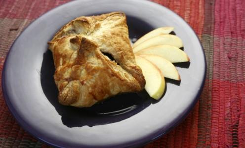 Apple-Stuffed Cinnamon Bundle