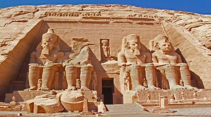 السياحة في معبد أبو سمبل