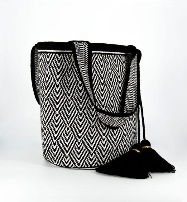 Escama Tote Bag in Black/White Escama colombia