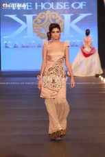 The-House-Of-Kamiar-Rokni-Pfdc-Loreal-paris-bridal-week-2013-48