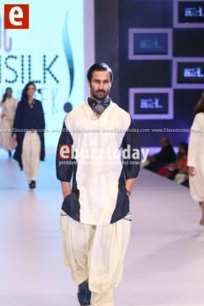 Arslan-Iqbal-PFDC-sunsilk-fashion-week-PSFW2014-ebuzztoday-79