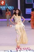 Nicki-Nina-PFDC-sunsilk-fashion-week-2014-PSFW2014-ebuzztoday-42