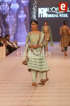 Asifa-Nabeel-collection-at-PFDC-L'Oréal-Paris-Bridal-Week-2014-47