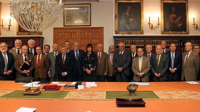 """Mesa redonda """"Presente y futuro de la medicina del trabajo en el siglo XXI"""" en la real Academia de Medicina de Sevilla"""