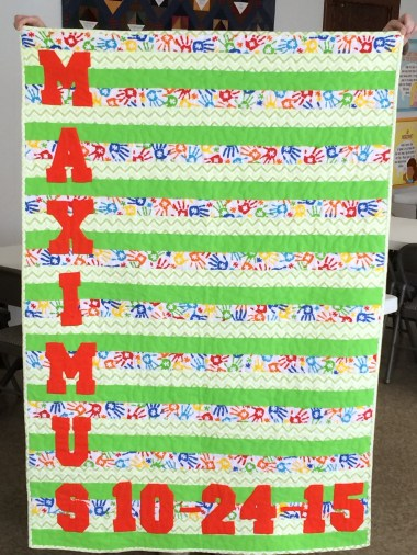 applique-name-on-standard-baby-quilt-lomaxs-work