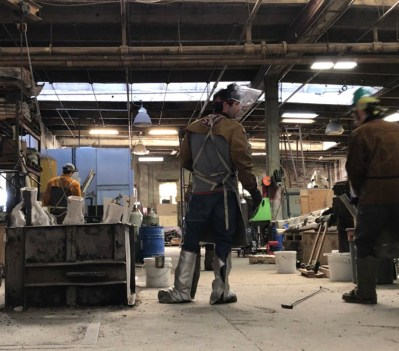 Preparing to pour bronze, Independent Casting