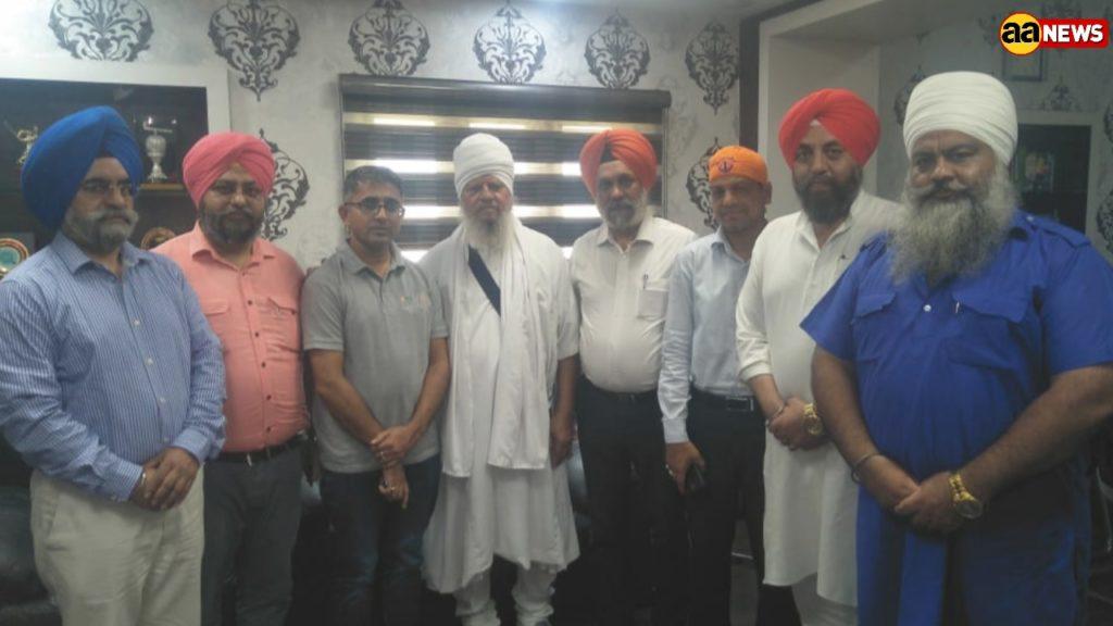 दिल्ली सिख गुरुद्वारा कमेटी का प्रतिनिधिमंडल पुरी पहुंचा, मौके पर मठों का लिया जायज़ा
