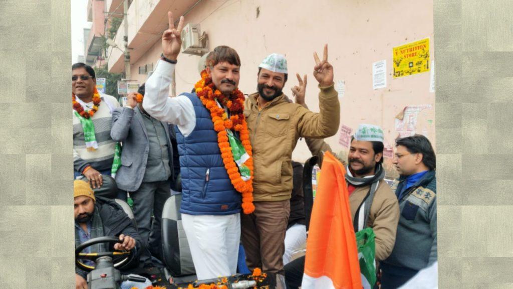 राष्ट्रीय लोक दल प्रत्याशी दीपक गुप्ता ने बुराड़ी से किया अपना नामांकन।