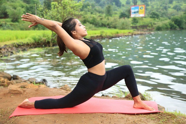 Lunge pose to cure arthritis pain
