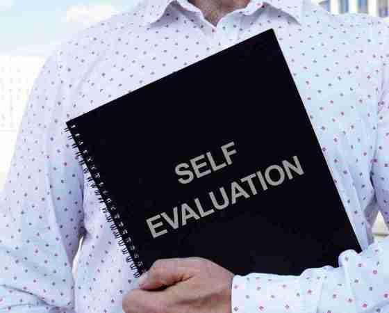 आत्म मूल्यांकन (Self evaluate) करना