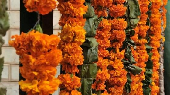 Flowers_Garlands_offerings