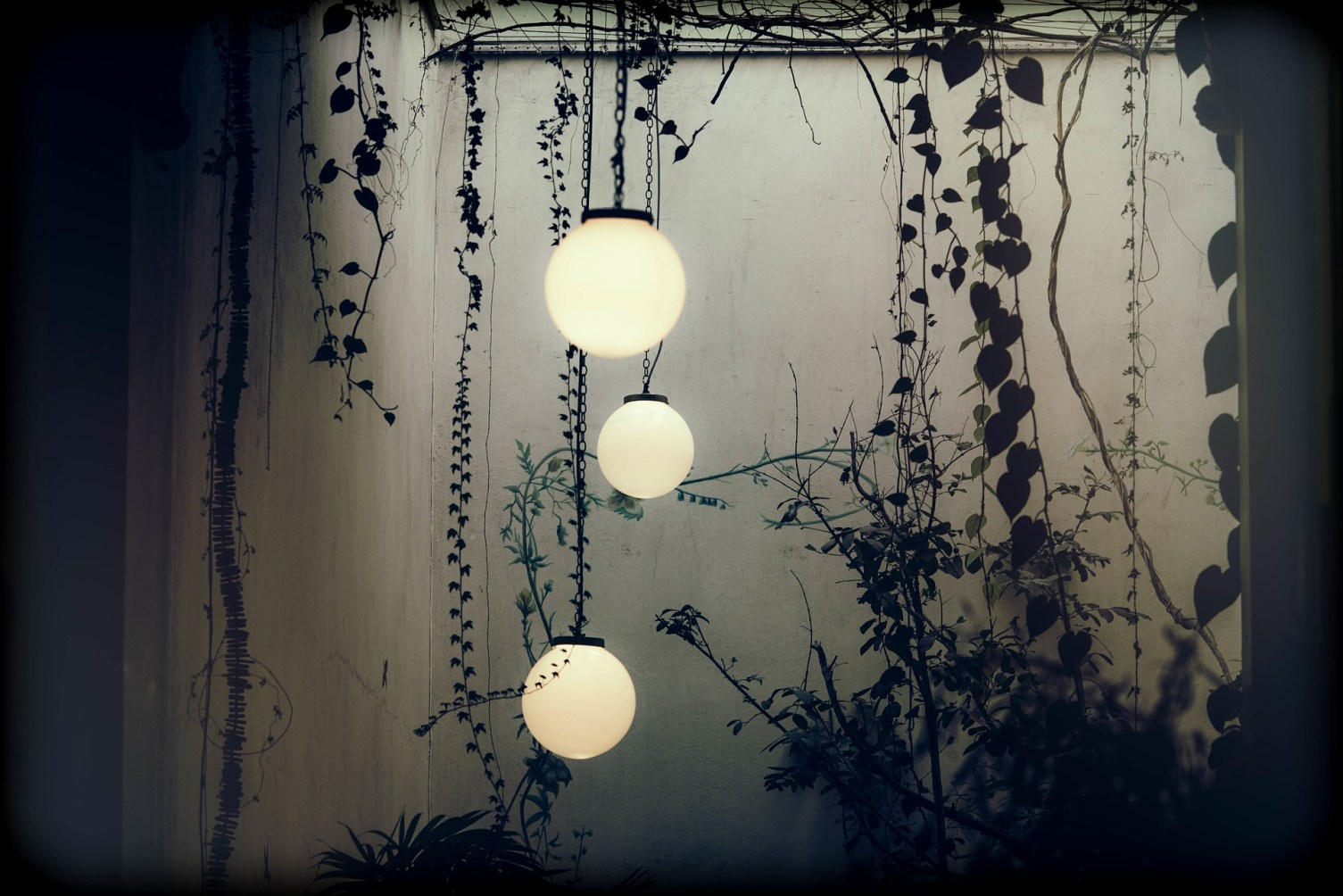 lamps-918495_1920
