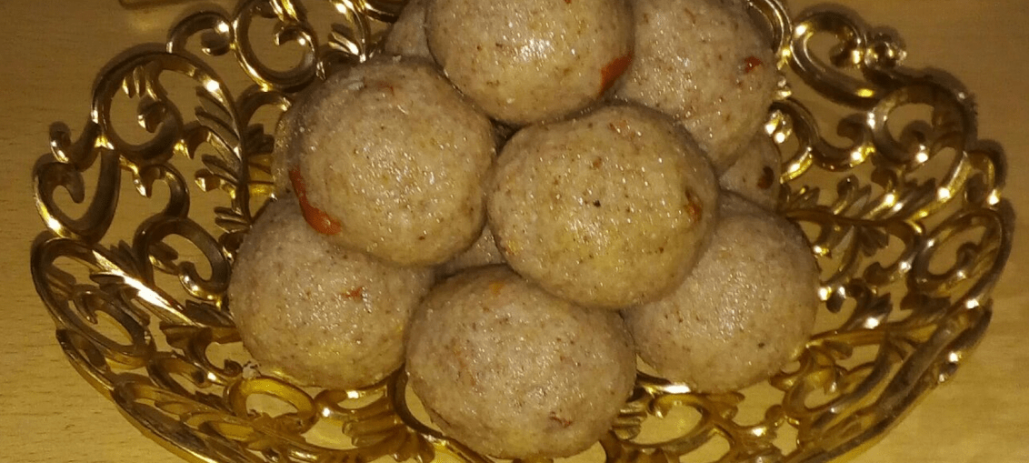 red poha ladoo