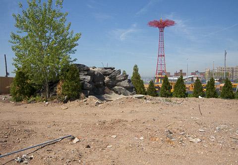 The waterfall (Coney Island, Brooklyn, NY)