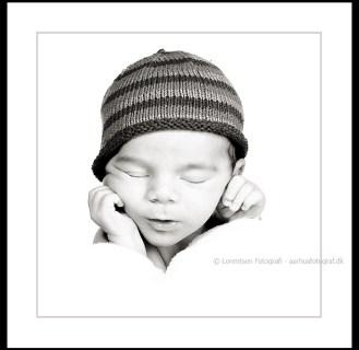 Newborn nyfødt 100x100 cm billede, med passepartoue og ramme