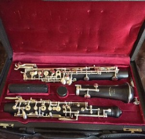 Fox-Laubin oboe in Red oboe case