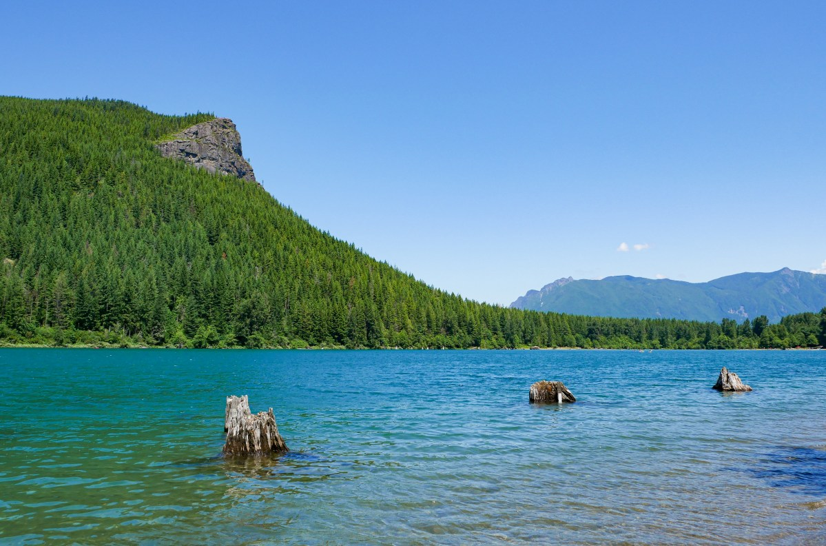 reference image of rattlesnake ridge, rattlesnake lake, washington