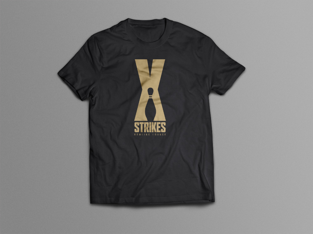 Strikes Bowling Lounge – T-Shirt