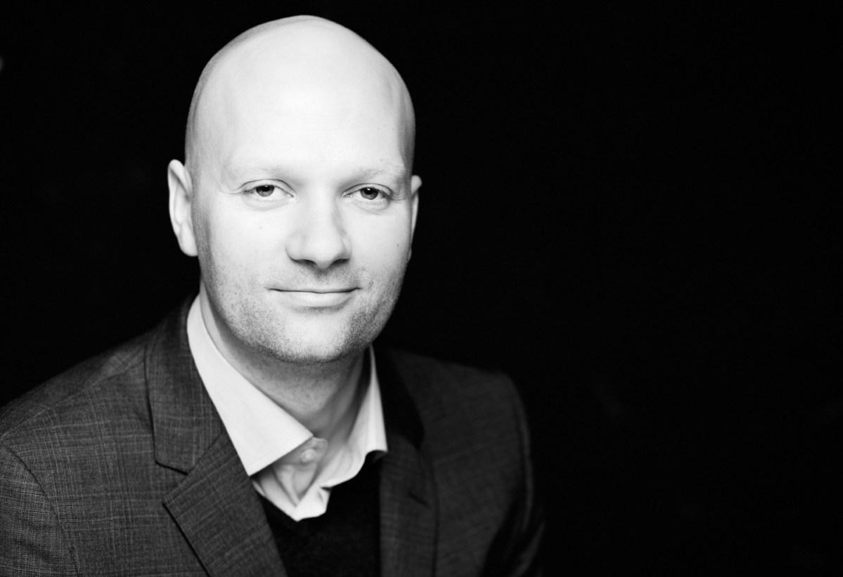 """Læs gratis uddrag af Kasper Støvrings """"Gensyn med fremtiden"""""""