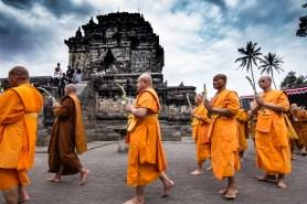 Pradakshina at Candi Mendut