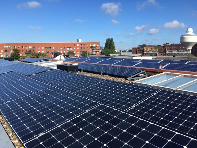 zonnepanelen dak zonnepaneel zonne-energie