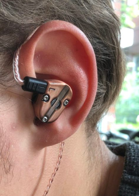 Revonext QT5 design steam punk in ear