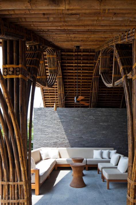 Naman Retreat Beach Bar