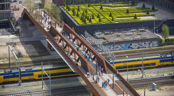 Paleisbrug pedestrian and cycle bridge