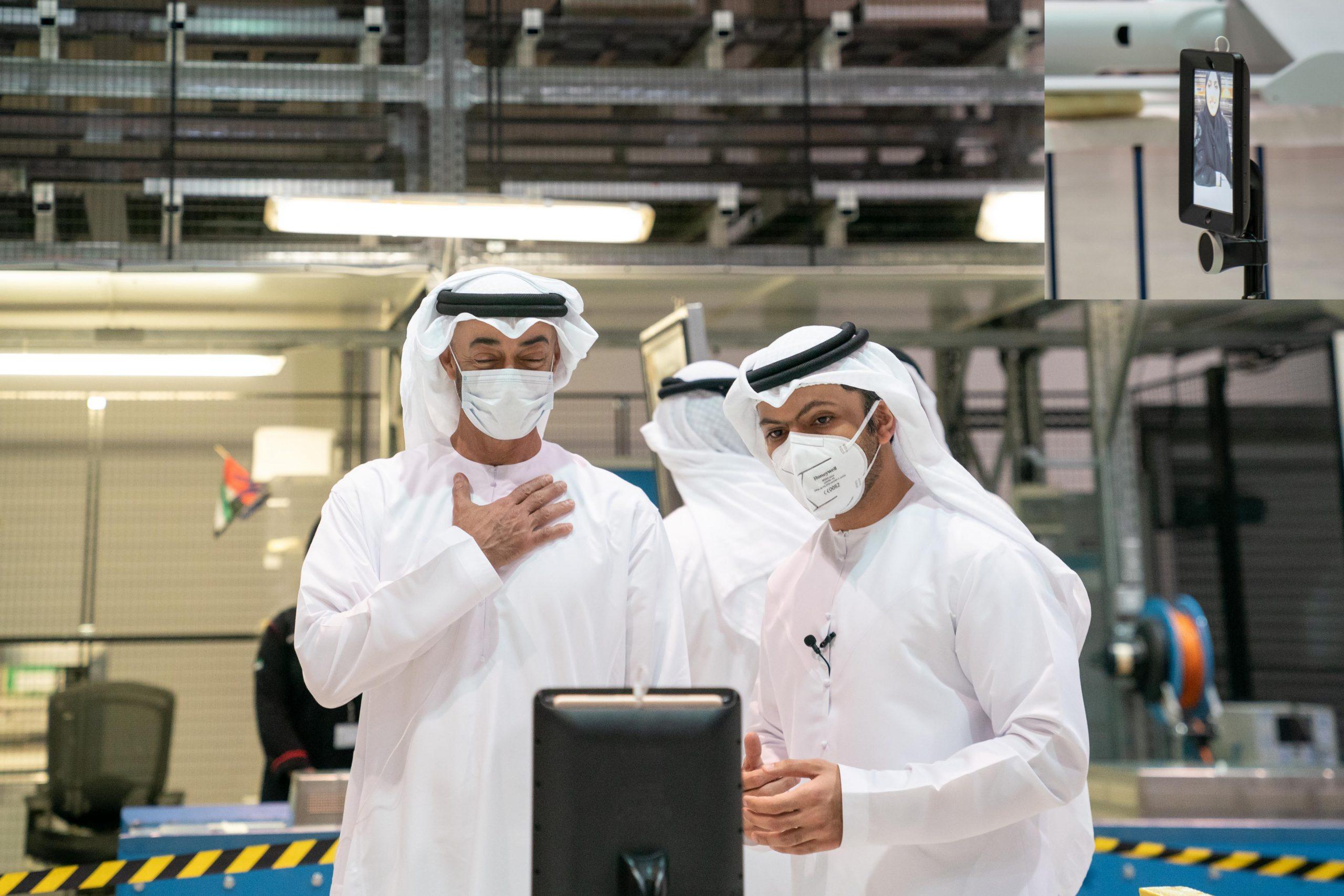 التقيت أبنائي العاملين في شركة ستراتا، المشروع الرائد في صناعة الطيران وأحد إنجازاتنا الصناعية الوطنية الذي  اكتسب الثقة العالمية وأثبت قدرته التنافسية في الصناعات المتقدمة.. خطط الاستثمار في المجال الصناعي في صلب رؤية الإمارات المستقبلية.