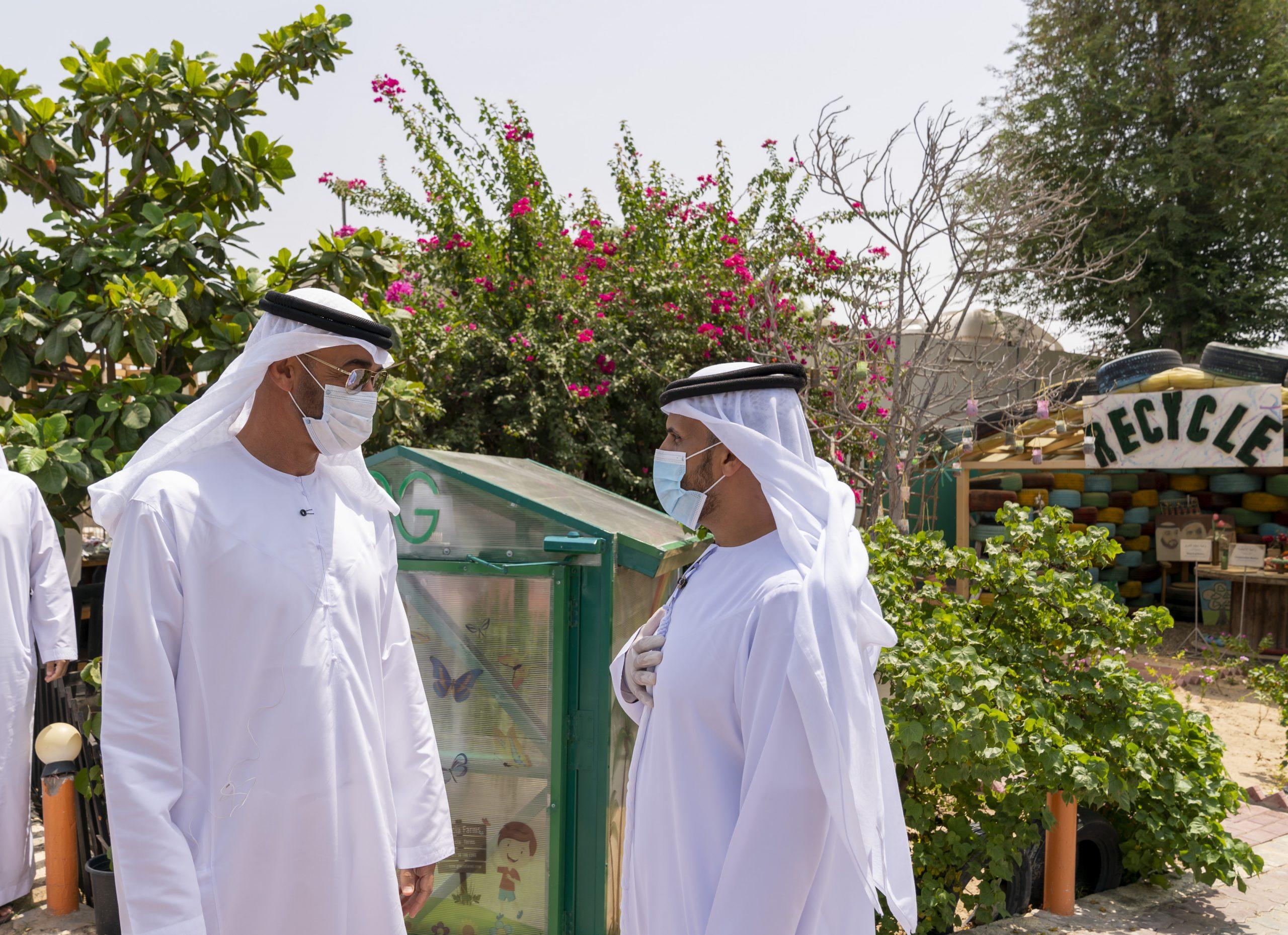 خلفيات الشيخ محمد بن زايد آل نهيان خلال زيارته للمزارع النموذجية