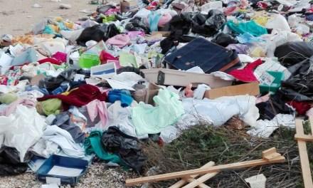 El crecimiento de un vertedero ilegal en la frontera con Vicálvaro genera alarma en el barrio de Parque Henares