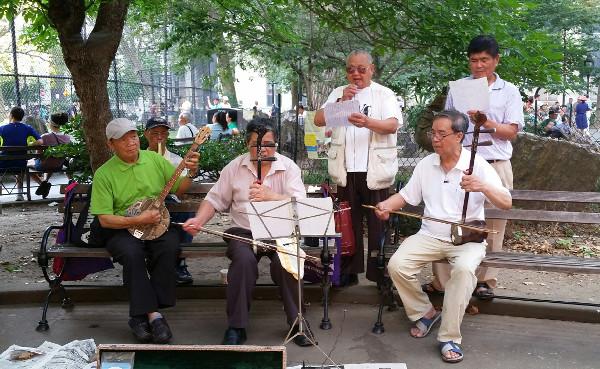 The qinqin, gaohu, and zhonghu. Photo by Huiying B. Chan