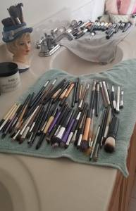Cleaning my makeup brushes