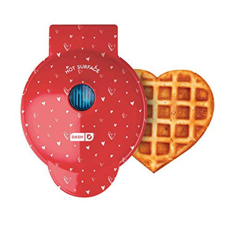 Dash-waffle-maker-red-heart