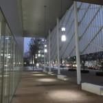町田市役所新庁舎 入口付近