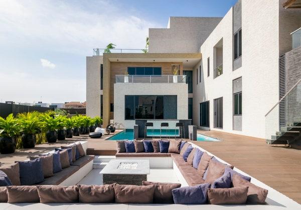 Check Out Inside Burna Boy's Seven Bedroom Lekki Luxury Home