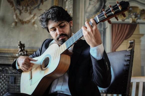 Alejo-de-los-reyes-Guitar-Argentine-v-20-sept-2019-ig-elsalondetango