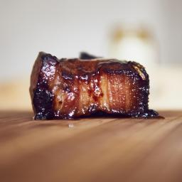 Panceta de cerdo sous vide con salsa Char Siu