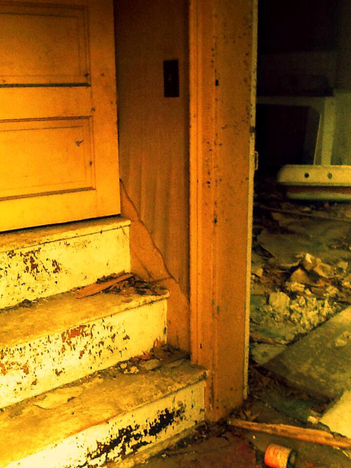 Abandoned Farmhouse Outside of Nebraska City – Part I