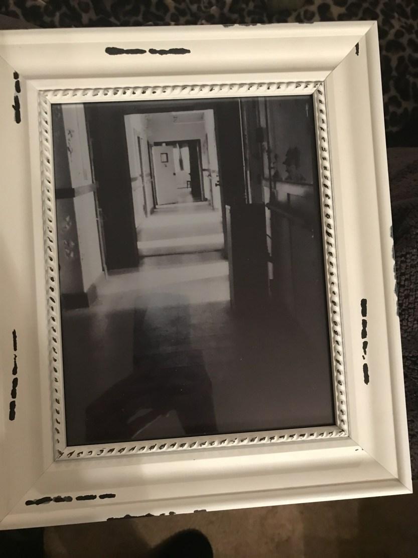 8x10 Framed Edinburgh Manor $30