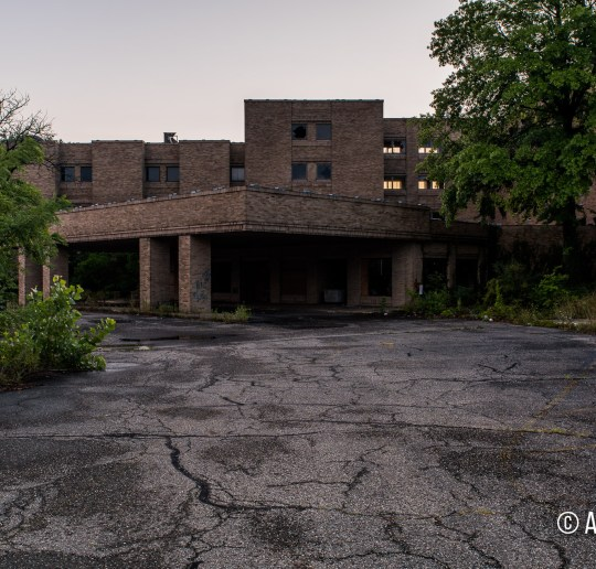 St. Joseph Riverside Hospital