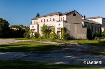 Hilltop Hall (Building 61)